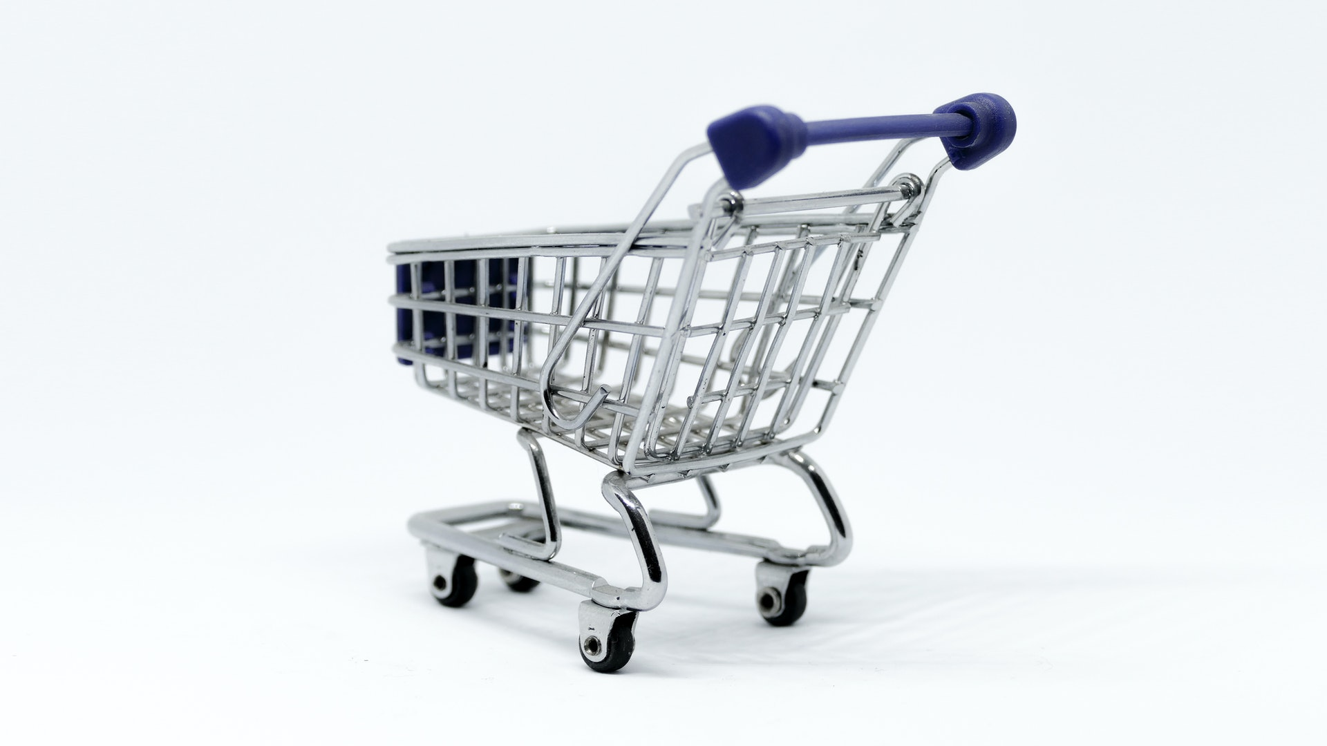 gray-and-blue-stainless-steel-shopping-cart-953862.jpg